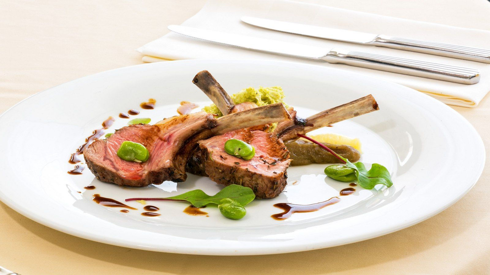 "=""Lamb-with-madeira-jus-eggplant-and-broad-beans-le-meridien-lav""/"
